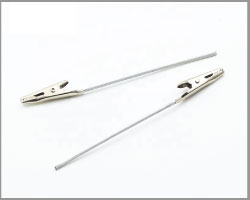 Croc-Clip-with-Wire-3